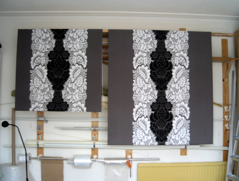 Different length blinds with tops matching